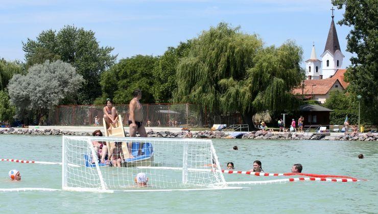 Edzőtábor - Balatonakali Ifjúsági Tábor - Strand 2