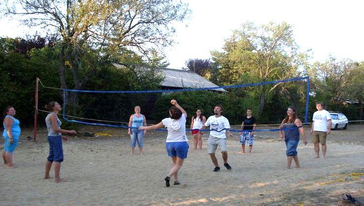 Edzőtábor - Balatonakali Ifjúsági Tábor - Strandröplabdapálya