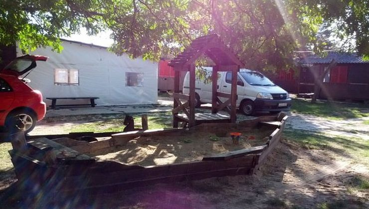 Edzőtábor - Balatonakali Ifjúsági Tábor - játszótér