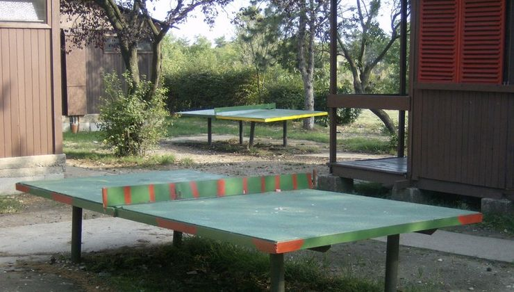 Edzőtábor - Balatonakali Ifjúsági Tábor - pingpong asztalok