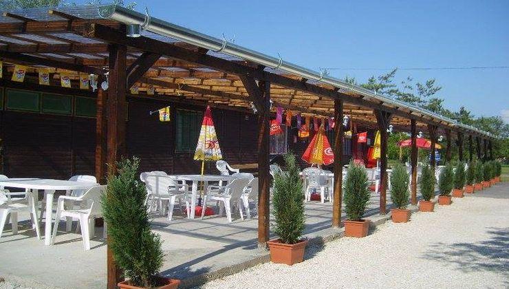 Edzőtábor - Balatonakali Ifjúsági Tábor - terasz