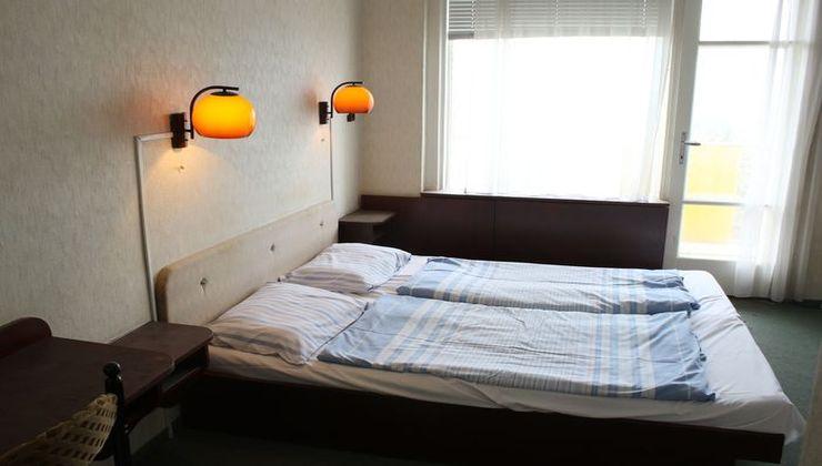 Edzőtábor - Balatonfüred Ifjúsági Hotel, szállás 3