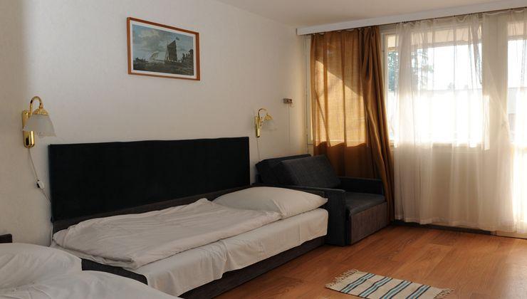 Edzőtábor - Balatonkenese Ifjúsági Hotel - Szállás 2