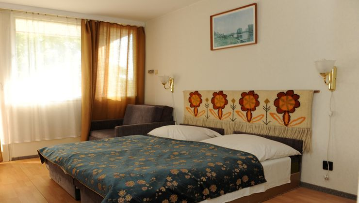 Edzőtábor - Balatonkenese Ifjúsági Hotel - Szállás 3