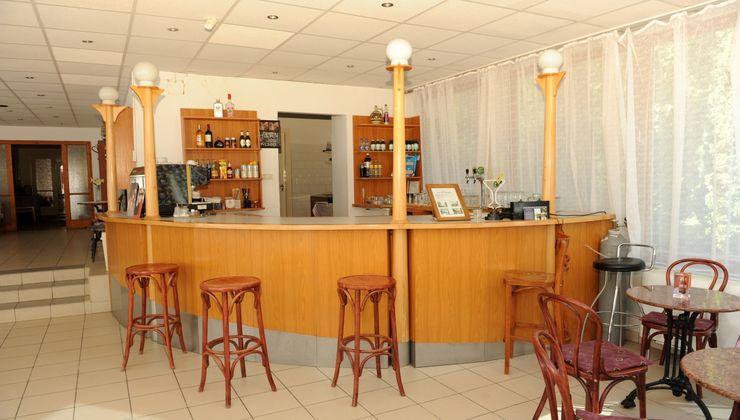 Edzőtábor - Balatonkenese Ifjúsági Hotel - recepció