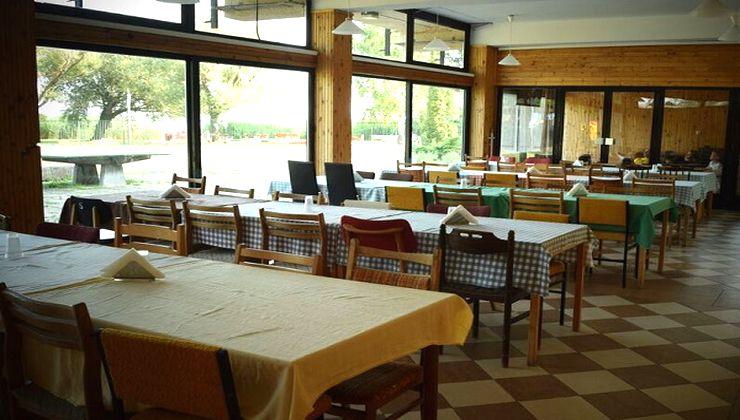 Edzőtábor - Révfülöp Ifjúsági Hotel - Étterem