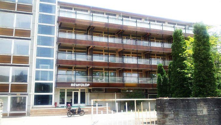 Edzőtábor - Révfülöp Ifjúsági Hotel - Főépület