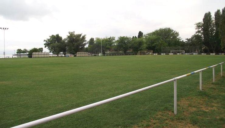 Edzőtábor - Révfülöp Ifjúsági Hotel - Futballpálya