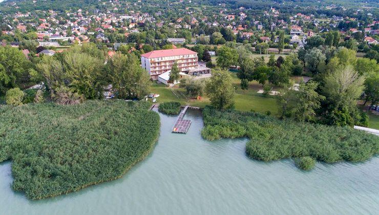 Edzőtábor - Révfülöp Ifjúsági Hotel