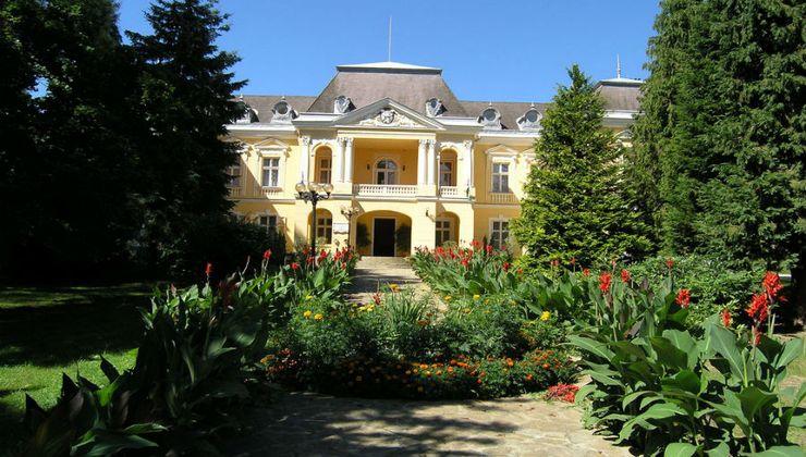 Edző - táborhelyszín - Zalacsány Panzió és Tábor - Batthyány kastély