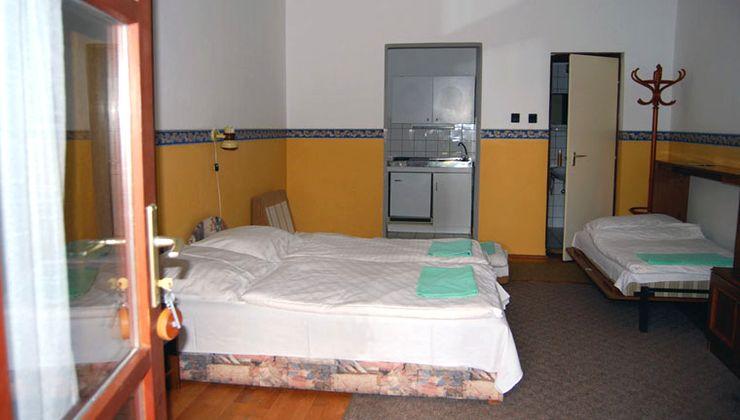 Edzőtábor - Balatonlelle Hotel Táborhelyszín - Szállás 6