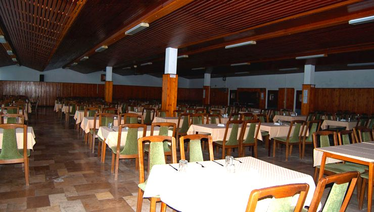 Edzőtábor - Balatonlelle Hotel Táborhelyszín - étterem