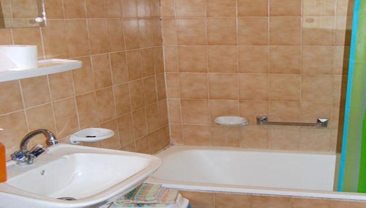 Edzőtábor - Balatonlelle Hotel Táborhelyszín - fürdőszoba