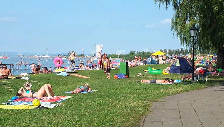 Edzőtábor - Balatonlelle Hotel Táborhelyszín - strand
