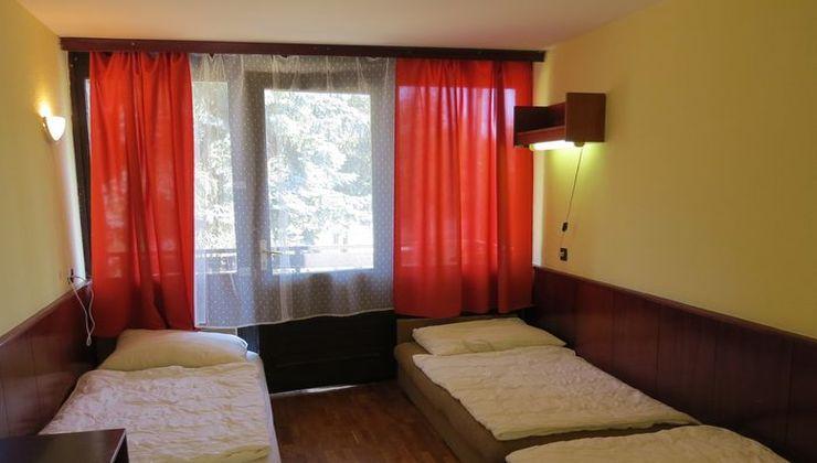 Edzőtábor - Balatonszárszó Ifjúsági Hotel és Tábor - Szállás
