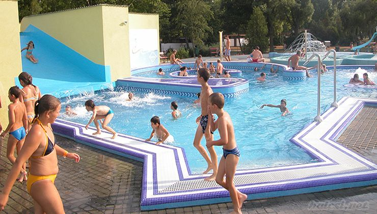 Edzőtábor - Balatonszemes Hunyadi Tábor - élményfürdő