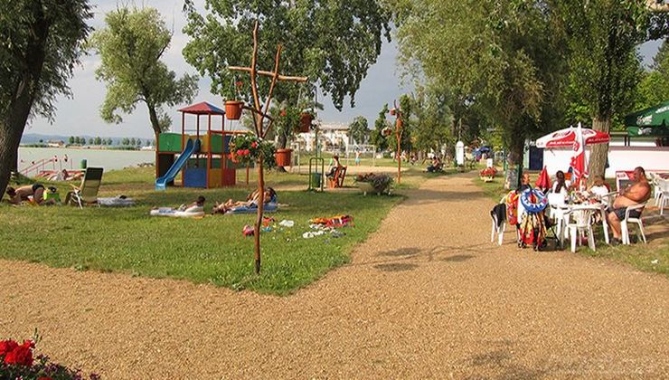 Edzőtábor - Balatonszemes Hunyadi Tábor - strand