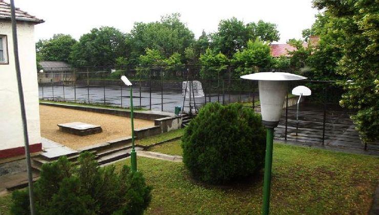 Edzőtábor - Balatonszemes Üdülő Tábor - Sportpályák