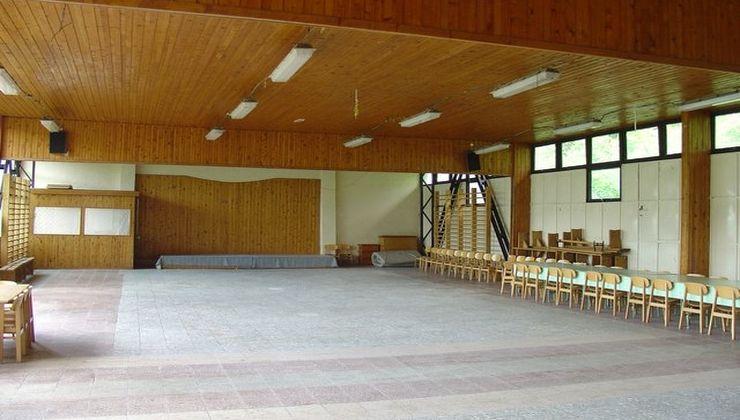 Edzőtábor - Balatonszemes Üdülő Tábor - Terem 2