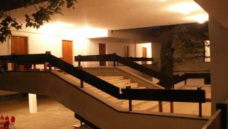 Edzőtábor - Balatonszemes Üdülő Tábor - lépcsőház