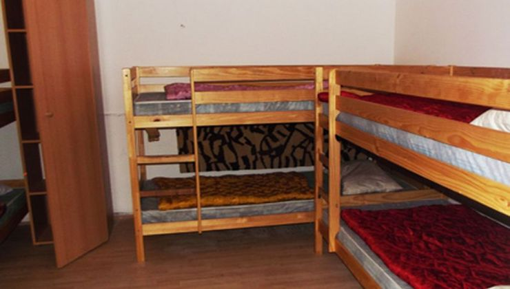 Edzőtábor - Balatonszemes Üdülő Tábor - szállás 6 fős szoba 2