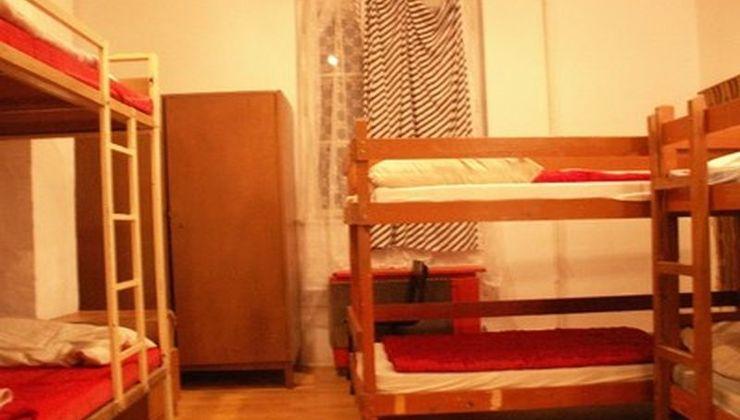 Edzőtábor - Balatonszemes Üdülő Tábor - szállás 6 fős szoba