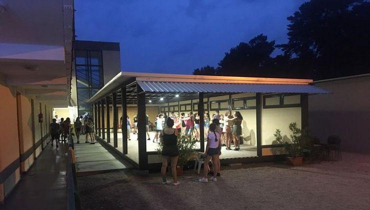 Edzőtábor - Fonyód Ifjúsági Tábor - myitott terem