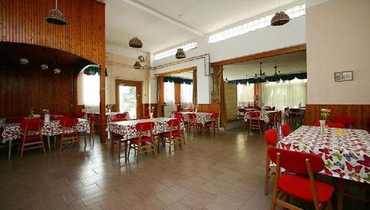 Edzőtábor - Gyenesdiás Ifjúsági Tábor - étterem