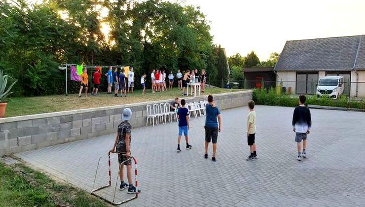 Edzőtábor - Kőröshegy-B Tábor - udvar