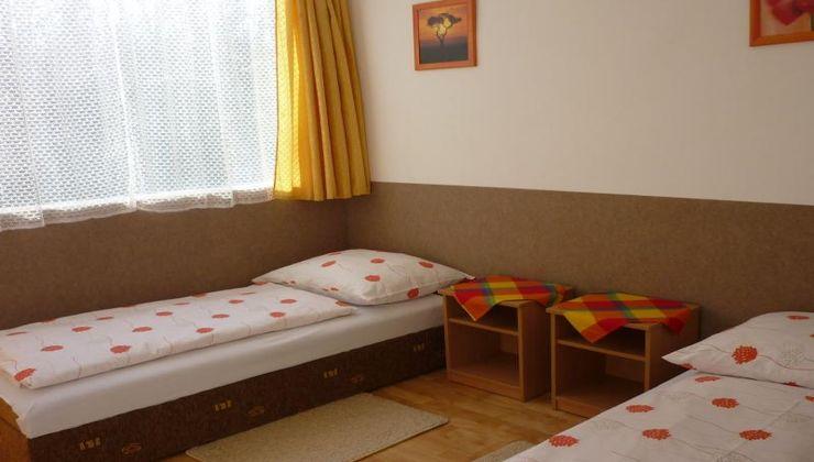 Edzőtábor - Siófok Ifjúsági Hotel - Tábor - Szállás 2