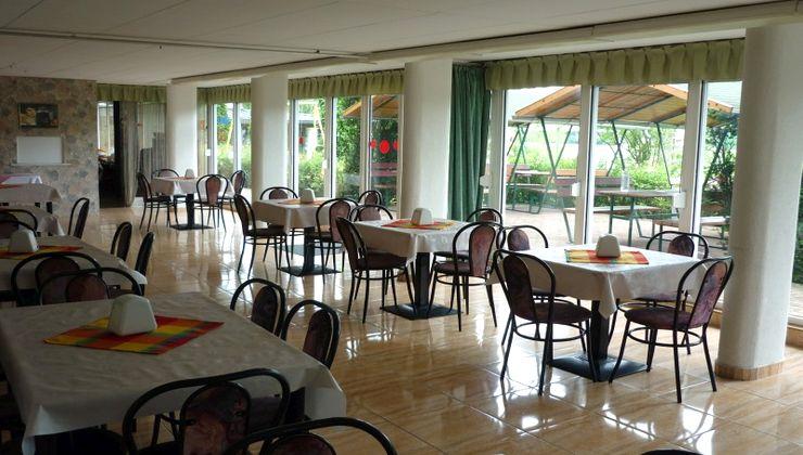 Edzőtábor - Siófok Ifjúsági Hotel - Tábor - étterem