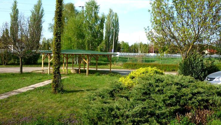 Edzőtábor - Siófok Ifjúsági Hotel - Tábor - kert 3
