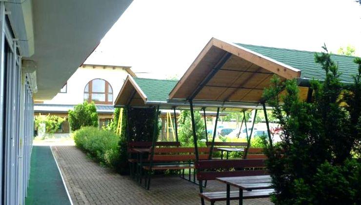 Edzőtábor - Siófok Ifjúsági Hotel - Tábor - kiülők