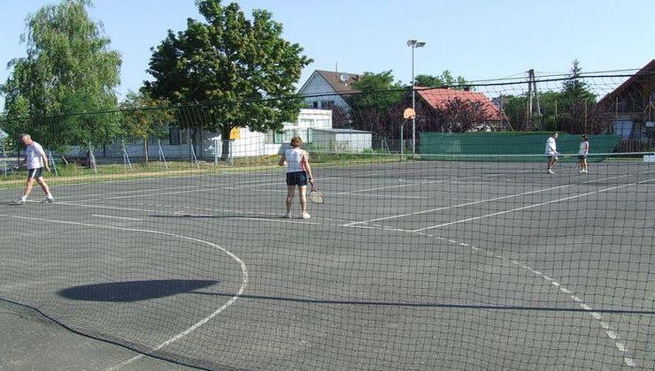 Edzőtábor helyszín - Balatonvilágos Panzió és Tábor - Sportpálya