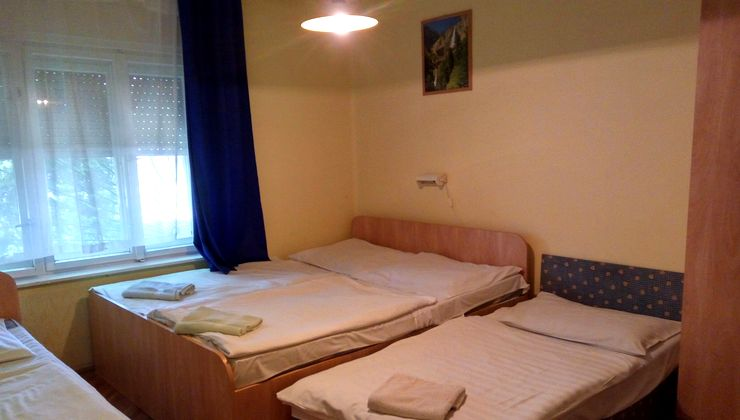 Edzőtábor helyszín - Balatonvilágos Panzió és Tábor - Szállás