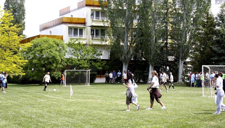 Edzőtábor helyszín - Balatonvilágos Panzió és Tábor - focipálya