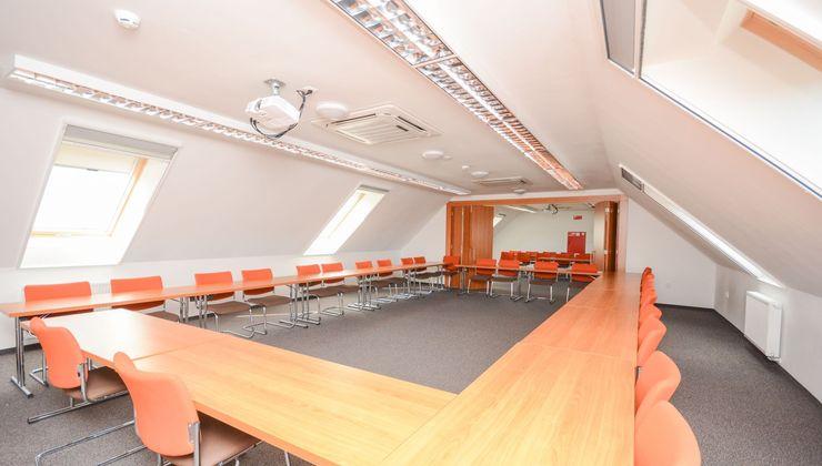 Edzőtábor helyszín - Zamárdi Üdülő és Hotel - Konferenciaterem