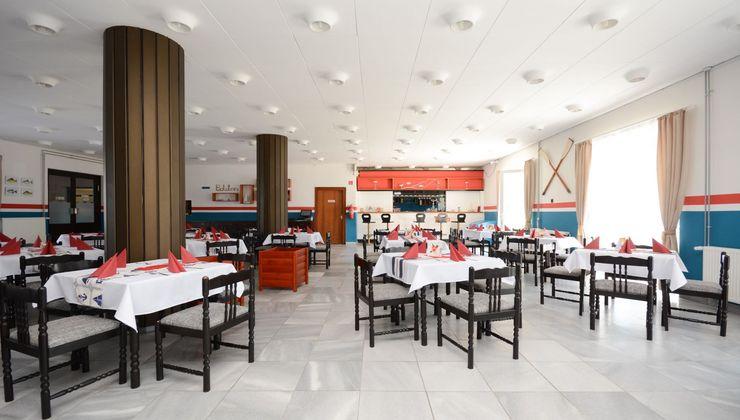 Edzőtábor helyszín - Zamárdi Üdülő és Hotel - étterem
