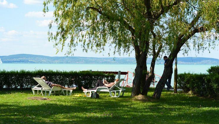 Edzőtábor helyszín - Zamárdi Üdülő és Hotel - saját strand