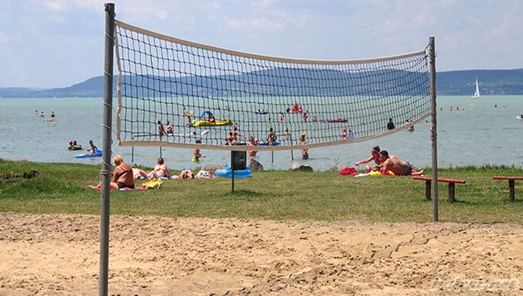 Edzőtábor helyszínek - Balatonszemes Üdülő Tábor - strand