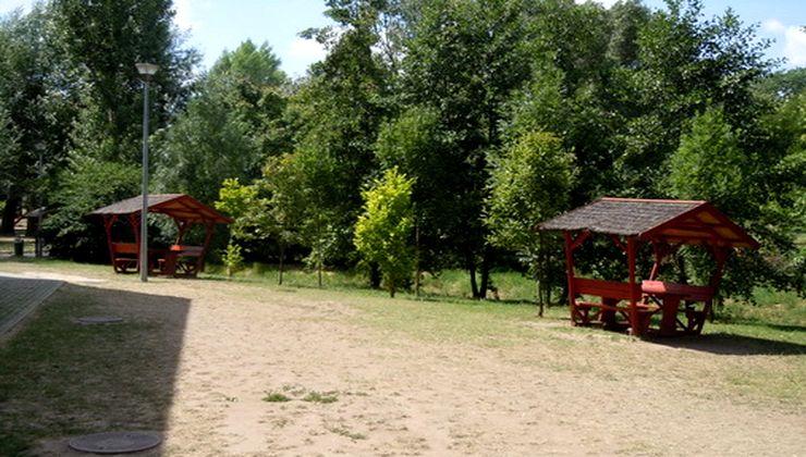 Edzőtábor, tábor - Velence Ifjúsági Tábor udvar