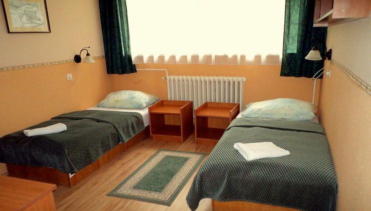 Edzőtábor, táborhely - Tata Hotel és Ifjúsági Tábor - Szállás 9