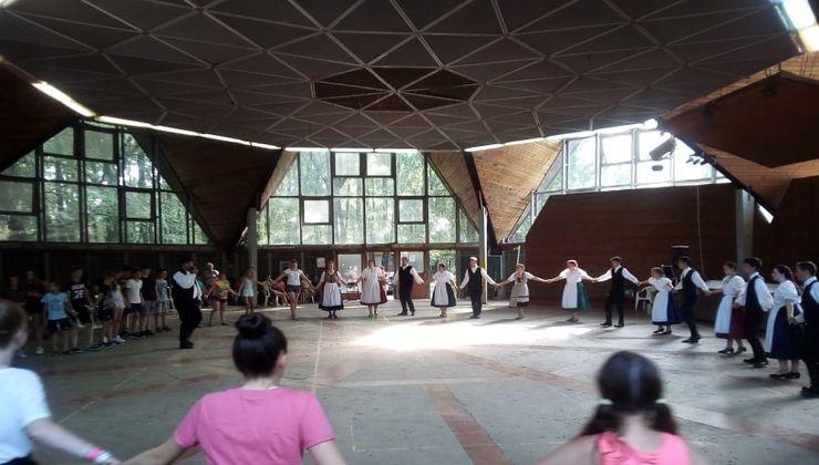 Edzőtábor, táborhely - Tata Ifjúsági Tábor - Csillag épület 2