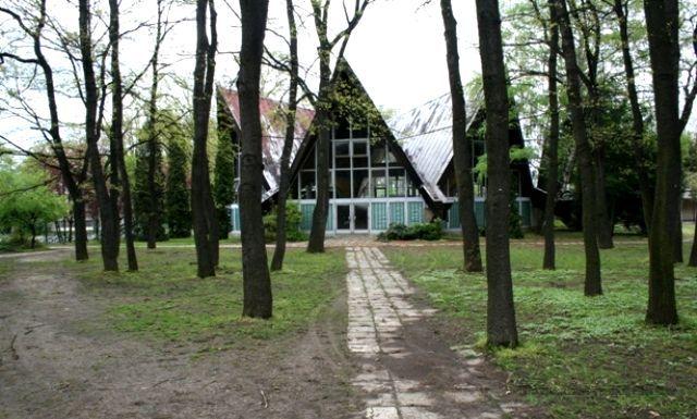 Edzőtábor, táborhely - Tata Ifjúsági Tábor - Csillag épület