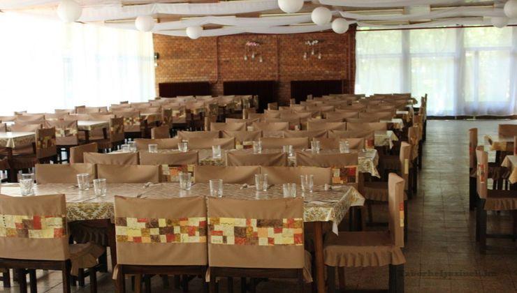 Edzőtábor, táborhely - Tata Ifjúsági Tábor - Étterem
