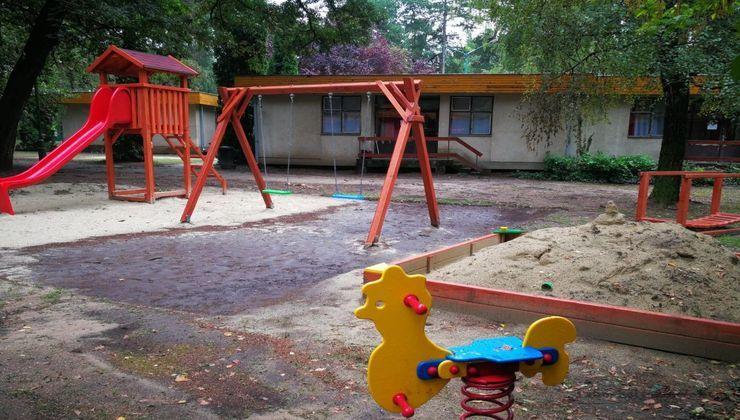 Edzőtábor, táborhely - Tata Ifjúsági Tábor - Játszótér