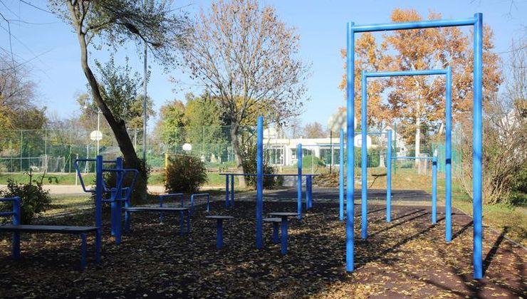 Edzőtábor, táborhely - Velence Ifjúsági Tábor - kinti kondipark