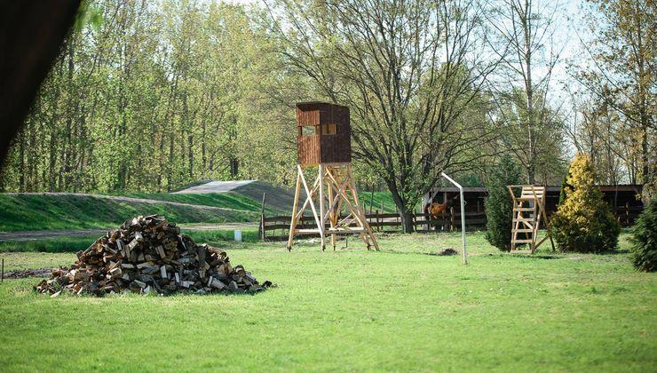 Edzőtábor, táborhelyszín - Dunaszeg Ifjúsági Tábor - Udvar