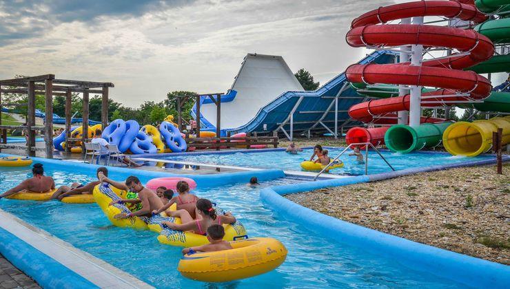 Edzőtábor - Ceglédfürdő Ifjúsági Tábotr - Csúszdapark