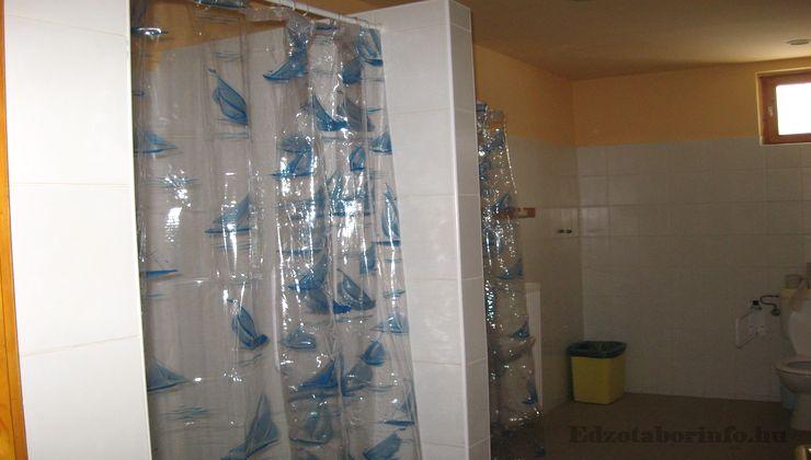 Edzőtábor - Ceglédfürdő Ifjúsági Tábotr - Fürdőszoba